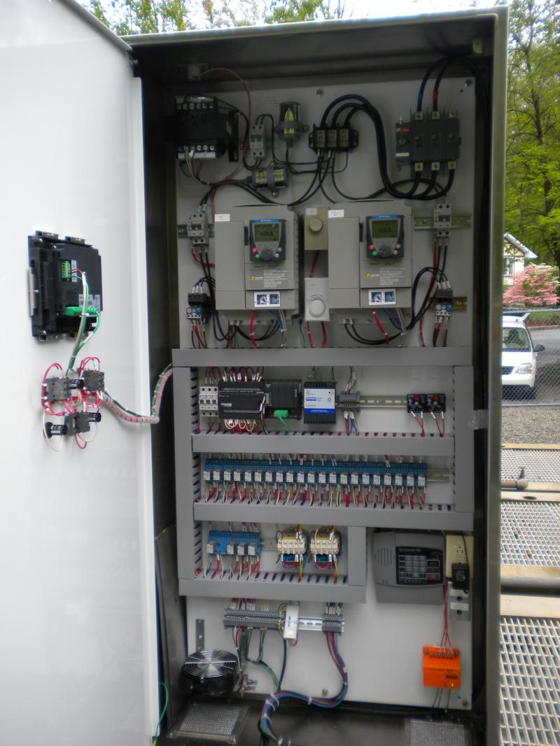 Db Custom Wiring Water Waste Controls Intrinsically Safe This Duplex Two 5hp 240v 3ph Pumps Controled By 10hp 1ph Variable Frequency Drives With Bariers For Level Sensors